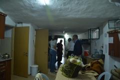 Da grotta ad appartamento autonomo per i volontari con cucina e bagno